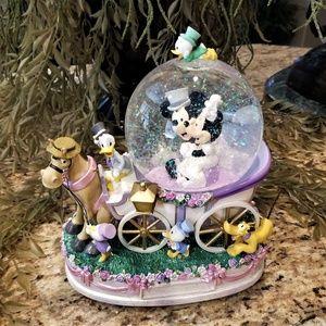 Disney Mickey & Minnie Wedding Coach Musical Globe